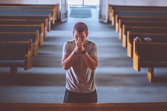 orando a Dios